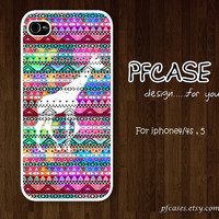 Giraffe with aztec Pattern : Handmade Case for Iphone 4/4s , Iphone 5 Case Iphone
