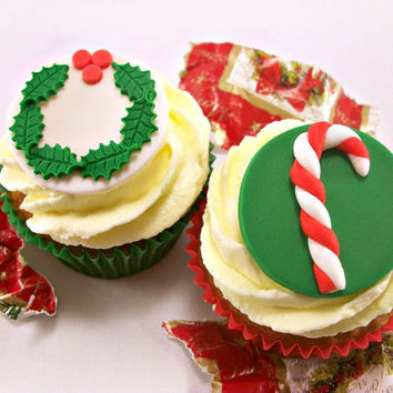 12 Christmas Fondant Cupcake Toppers, Candy Cane Christmas Wreath Cake Fondant Toppers, Christmas Edible Toppers, Christmas Party Toppers
