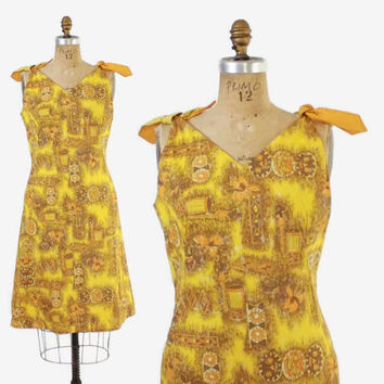 Vintage 60s SUN DRESS / 1960s Gold Tribal Hawaiian Print Cotton Bow Trim Sheath Dress  M - L