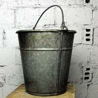 VINTAGE galvanized bucket, metal bucket, metal pail, bucket for garden decor, rustic farmhouse
