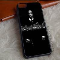 Tupac Shakur in City iPhone 7 Case