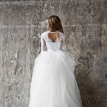 Wedding dress. Lace wedding dress. Long sleevs wedding dress Vera