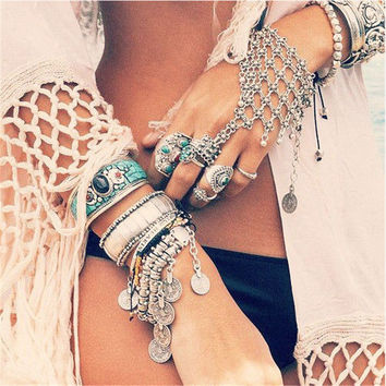 Boho Gypsy Slave Hand Finger Chain Multilayer Bracelets Antique Silver Plated Handcrafted Bracelet Retro Ethnic Women Jewelry