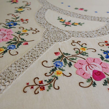 Exquisite Tablecloth Hand Embroidered Crocheted and Appliqued Perfect for Wedding Head Table Stunning 81 x 63 Inches Rectangle