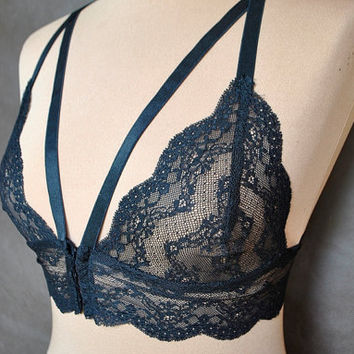 Sexy, romantic Black Lace Bra,  Soft Cup Bralette, Lingerie, Hand made, All sizes, elegant underwear, brassiere, embroidery, gothic, gift