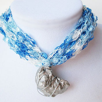 Mother's Day Gift, Wire-Wrapped Seashell Pendant, First Mother's Day, Grandmother's Gift, Trellis Yarn Necklace, Blue And White