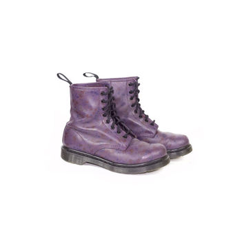 8 uk | DR MARTENS purple floral leather boots / 8 eye lace up docs / flowers / 42 eu / womens size 10