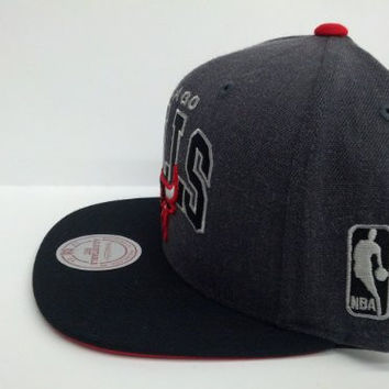 Mitchell and Ness NBA Chicago Bulls Charcoal Arch Snapback Cap