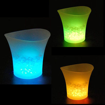 5L Waterproof Plastic LED Ice Bucket Color Changing Bars Nightclubs LED Light Up Champagne Beer Bucket Bars Night Party