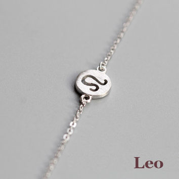 925 Sterling Silver 12 Constellation Bracelet (Leo)