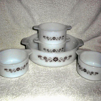 Vintage Dynaware Pyrex Woodland Set 5 Pieces 1 Casserole Large 4 Ramekin Bowl Dish Brown Daisy Flowers