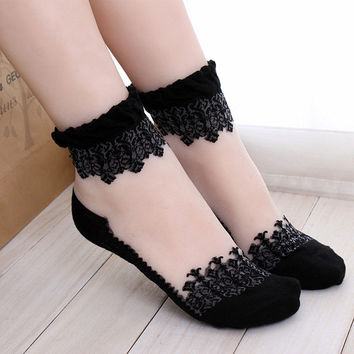 Lace Ruffle Ankle Sock