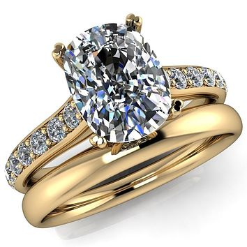 Constantina Cushion Moissanite 4 Prong Diamond Channel Engagement Ring