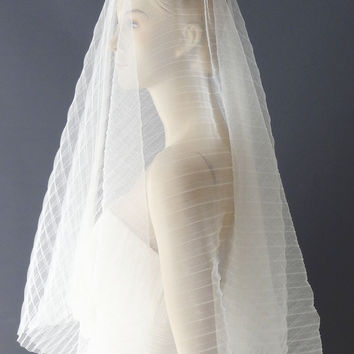 Pleated Tulle Drop Veil