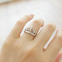 Fashion Crown plated 18K white gold ring