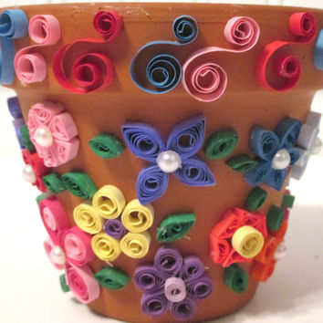 Decorative flower pot, flower pot, quilling, quilling art, flower decor, paper art, quilling decor, home decor, office decor, pen holder