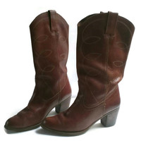 Women's 71/2 Cowboy boots. Saddle Brown Leather. Vintage Womens Boots