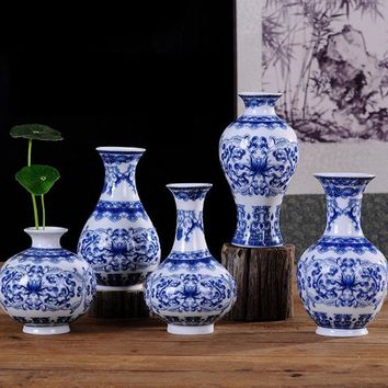 Vintage Traditional Chinese Style Blue White Porcelain Vase