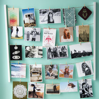 Aeropostale  Womens Hanging Photo Display - White
