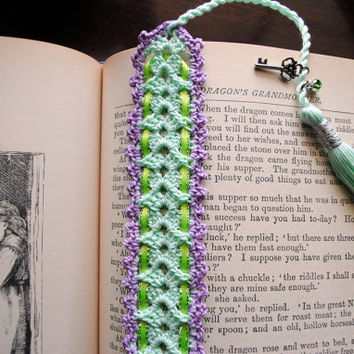 Crochet lace bookmark with a long tassel, light green, light purple, ribbon, key charm, spring, easter