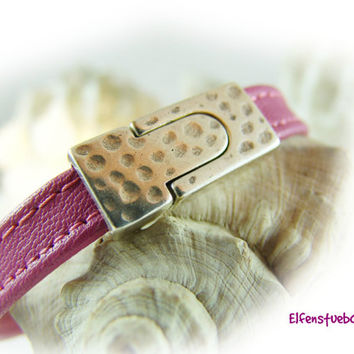 Leather bracelet rose pink silver - Nappa leather -  hammered - magnetic clasp - for her - handcrafted - handmade