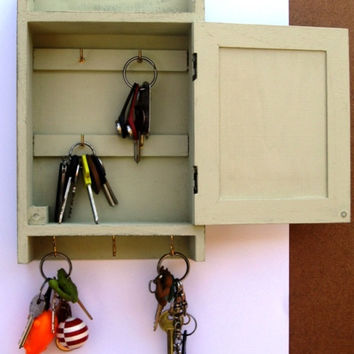 KEY BOX - KEY Cabinet - Wall Hanging Keys Hanger - light green Shabby Chic Home Decor Key Holder
