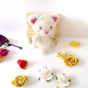 Miniature Cat Crochet Cat Toy Amigurumi Cat Blythe Doll Toy Kitten Plush Stuffed Animal Kawaii Fuzzy Cat Kids Toy Girls Gift Ideas