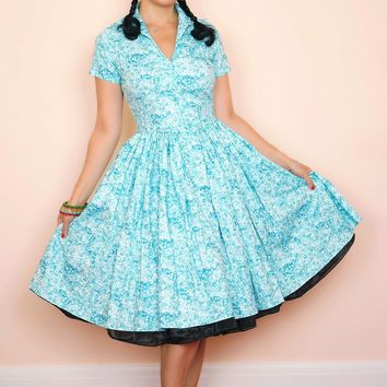 Drive-in Dress In Turquoise Petal Print
