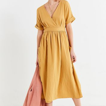 UO Gabrielle Linen Midi Wrap Dress | Urban Outfitters