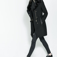 COAT WITH WRAPAROUND COLLAR
