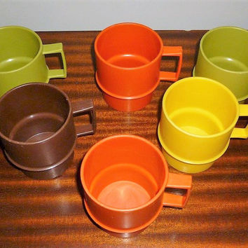 Vintage 1970s Set of Six (6) Stackable Tupperware Mugs/Cups in Country Colours / Retro Plastic Handled Cups Green Brown Orange Yellow