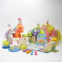 My Little Pony Party Gift Pack Vintage G1 Loose Set with 5 Ponies, Birthday Cake, Hats, Invitations, Accessories