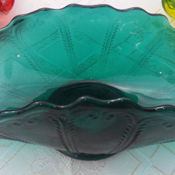 Rare L.E. Smith Emerald Green Scroll Pattern Fluted Baskt/Napkin Holder Depression Era Decor