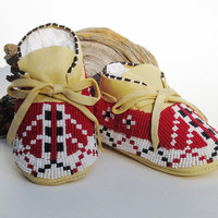 Unique Baby Shoes Red & White Beaded Native American Made Baby Moccasins  Soft Soled Shoes Boho Shoes Red Beadwork Red Baby Shoes Prewalker