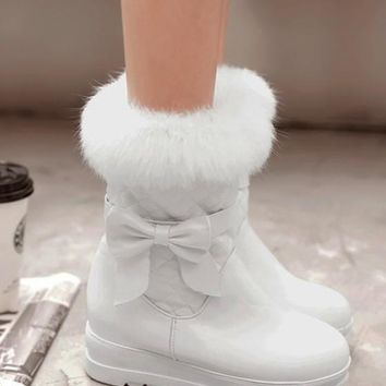 New White Round Toe Flat Bow Faux Fur Patchwork Casual Boots