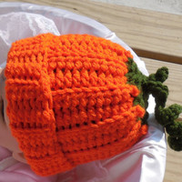 Crochet Baby Hat, Newborn or Doll Size, Halloween Photo Prop Crochet Pumpkin Hat, Newborn Crochet Hat, Halloween Crochet