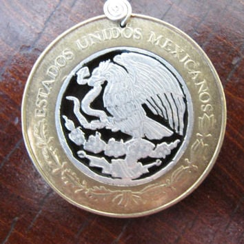 SILVER Hand Cut  Coin por InterlockingQuarters en Etsy
