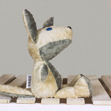 Zachary the wolf Artist wolfs Gift stuffed animal toy lupus Soft toy handmade Toddler Toys beige gray