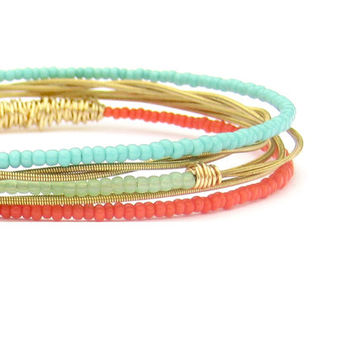 Seed Bead Bangle Bracelets // Set of 5 // Gold Bangle Bracelets // Handmade Eco-Friendly Jewelry // Coral Mint Turquoise Gold // Women Gift