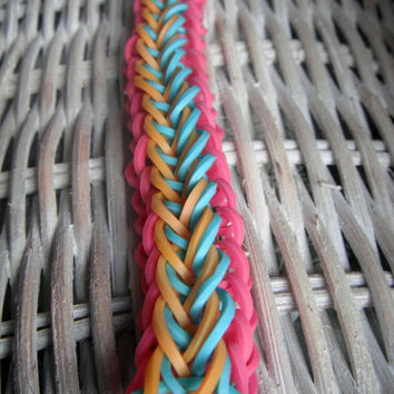 Raindrop Rainbow Loom Bracelet by NanasPartyDecor on Etsy