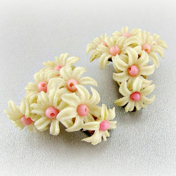 Vintage Celluloid Flower Earrings (HONG KONG, Pink White Flowers Cluster Earrings, Clip-on Earrings, 1950s Costume Jewelry, Antique Jewelry)