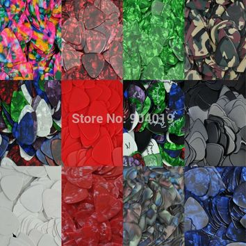 Lots of 100 pcs New Heavy 0.96mm Guitar Picks Plectrums Celluloid  Assorted colors