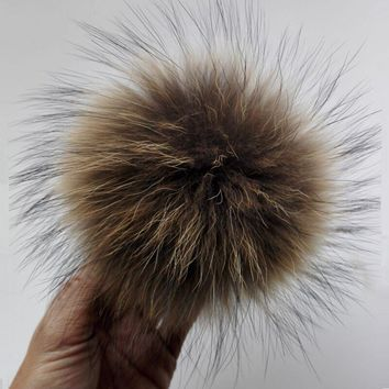15cm Natural Real Raccoon Fur Pom poms For Knitted Beanies Caps Skullies Hats Genuine Fur Ball Fluffy Christmas Gift