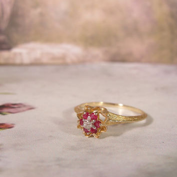 1950s 10K Yellow Gold Genuine Ruby and Diamond Flower Tulip Stackable Ring – Size 6.5