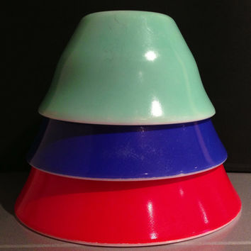 Vintage McKee Bell Shaped Colored Mixing Bowls Set of 3