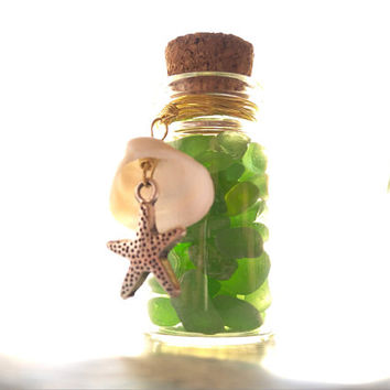 Sea Shell and Starfish Charm, Sea Glass Wedding Favour Bottle, Party Table Decoration, Summer Beach Theme Decor, Real Sea Gems from Spain,