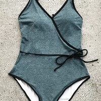 Cupshe Hear Your Voice Solid One-piece Swimsuit