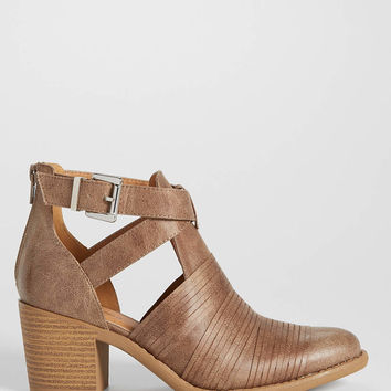 Gia bootie with cutout side | maurices