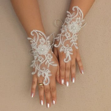 Wedding Gloves, ivory french  lace gloves,Fingerless Gloves, ivory wedding gown gloves, Ivory, pearls,free shıp