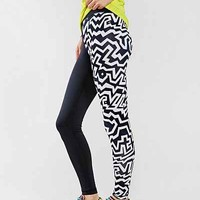 Without Walls Zigzag Print Engineered Run Legging - Urban Outfitters